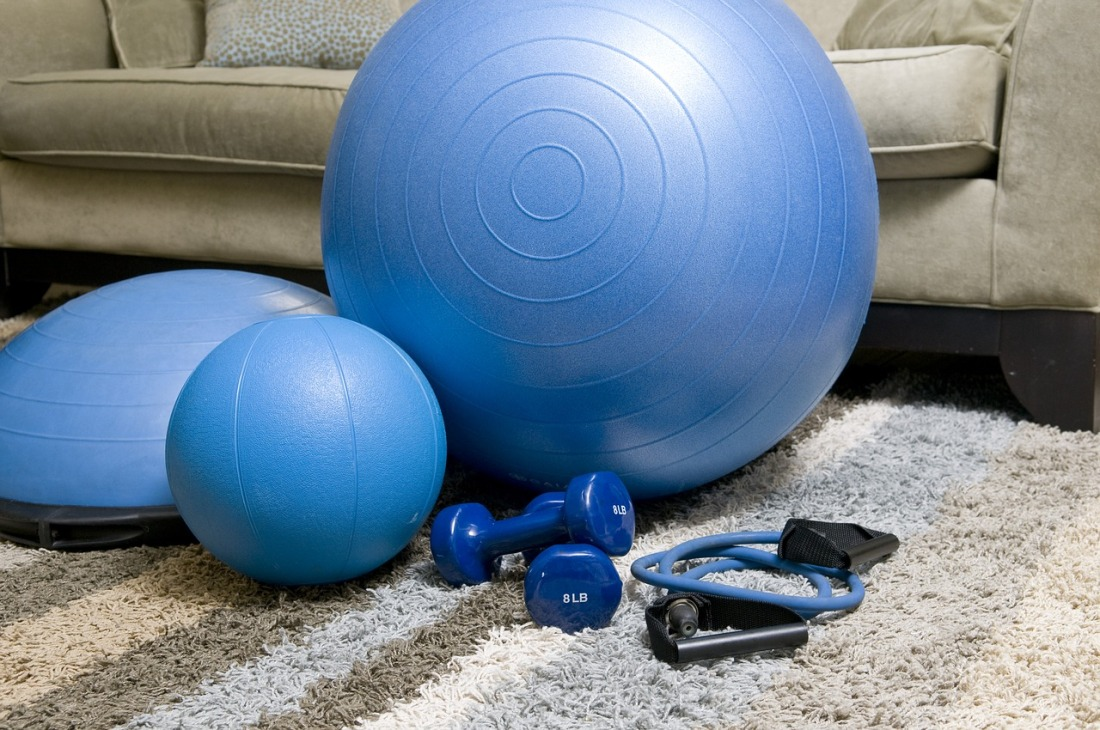 home-fitness-equipment-1840858_1280